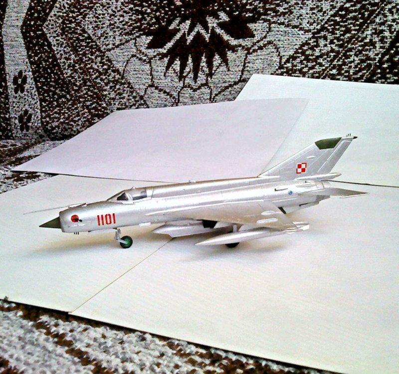 MiG-21R.JPG