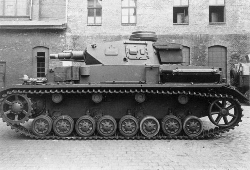 1746025143_0002_Panzer_IV_Ausf._F-1.thumb.jpg.07e3a7467e19e1f48dd754c71db278da.jpg