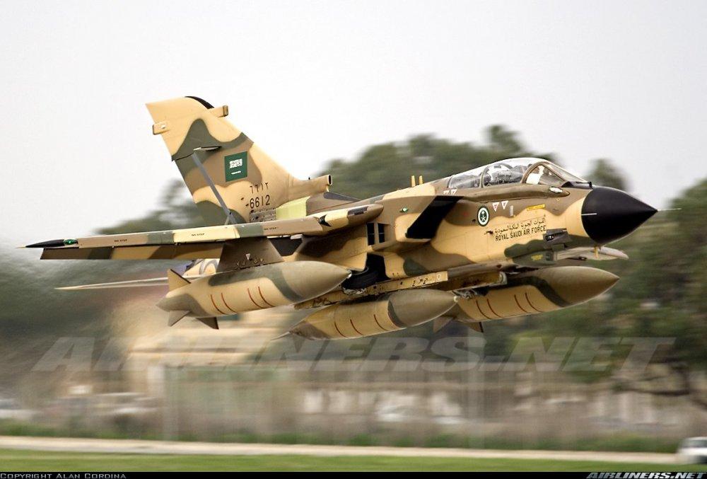 Panavia Tornado (2).jpg