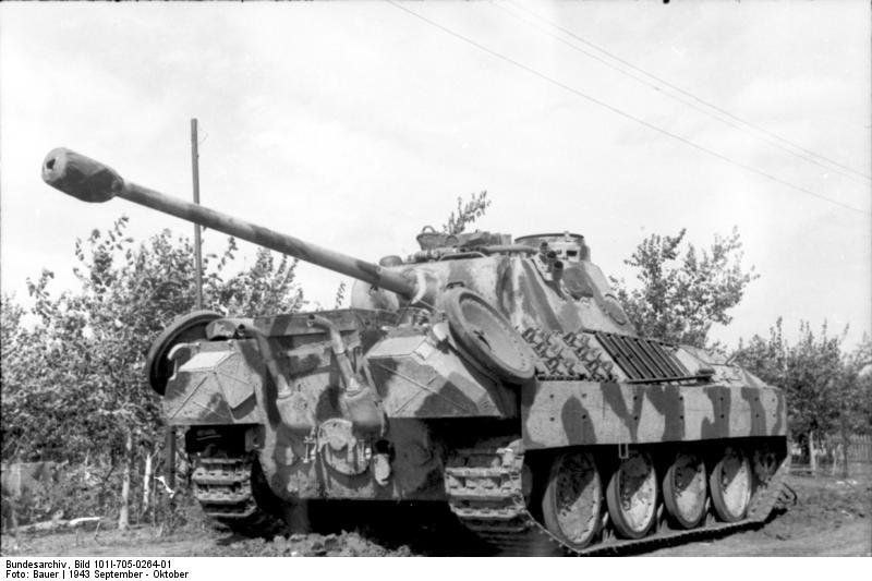 Bundesarchiv_Bild_101I-705-0264-01,_Russland-Süd,_Panzer_V_(Panther).jpg