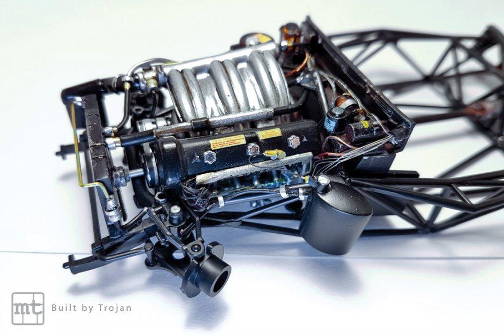 Mercedes-300-SL-Tamiya-fot22.thumb.jpg.316f299dcf64b4deba3c80cb107f7dbd.jpg