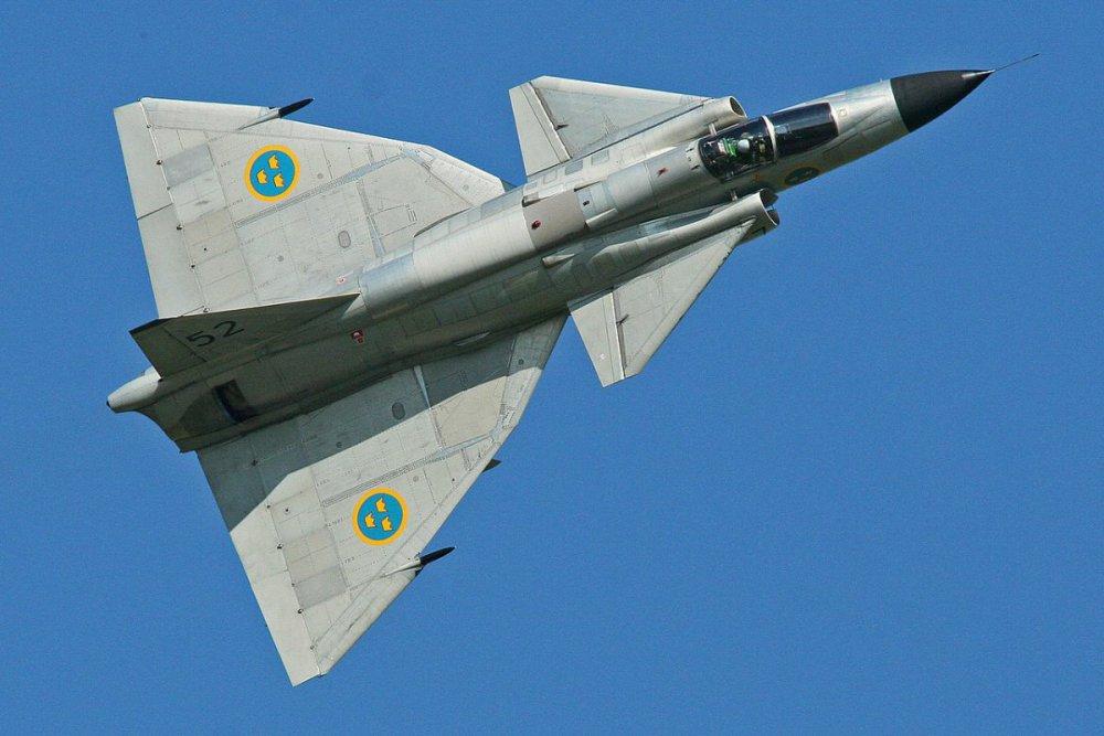 Saab_AJS-37_Viggen_37098_52_(SE-DXN)_(9256079273).thumb.jpg.96a19916e718e2edb32f8751177bd3cd.jpg