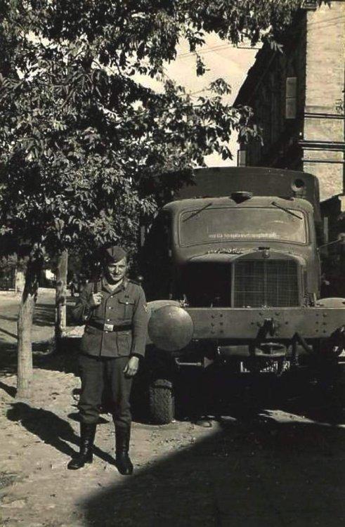 1916670467_truck20train.thumb.jpg.f55bfa94f1deb2ac60a729eeb3dfcea8.jpg