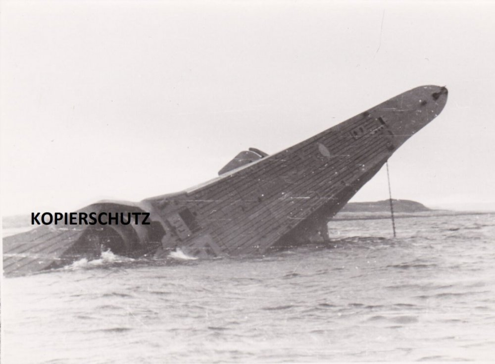 U-Boot-Krieg-Foto-U-1060-Nordspitze-Der-Insel.jpg