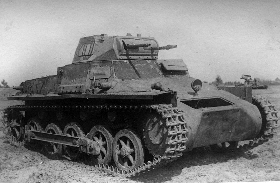 1303387840_MG34-PanzerI-B.jpg.4c6285b8b22f8b274cd45c210057628d.jpg