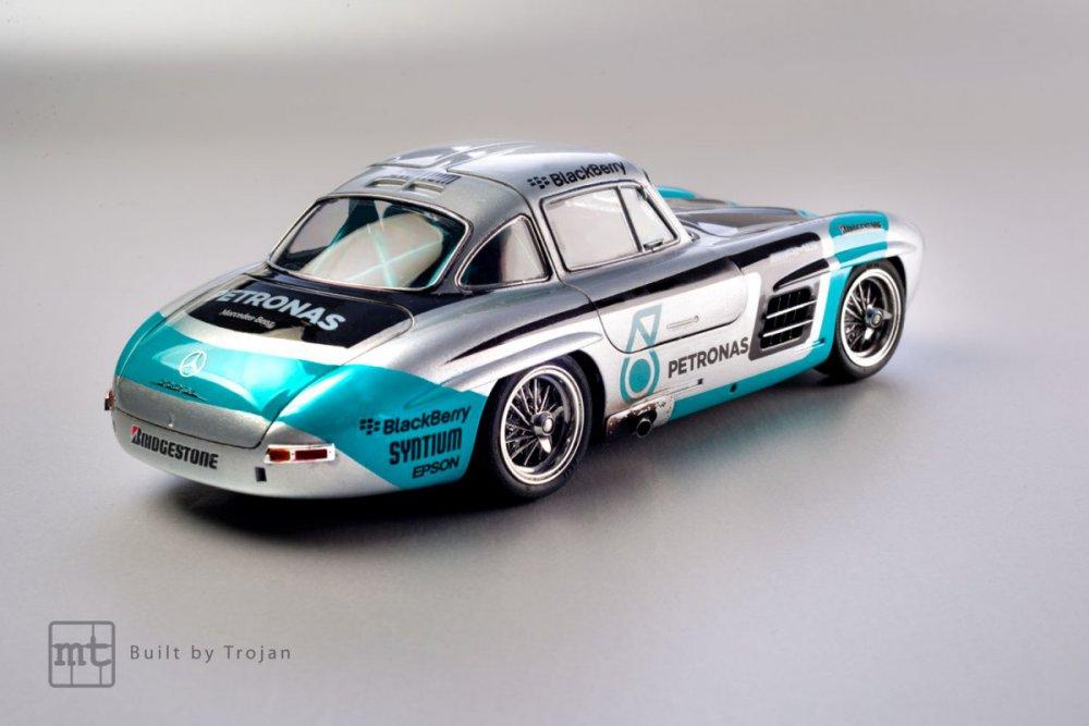 Mercedes-300-SL-Tamiya-fot-10.jpg