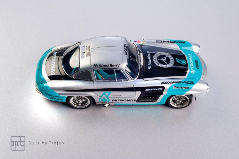 Mercedes-300-SL-Tamiya-fot-11.jpg