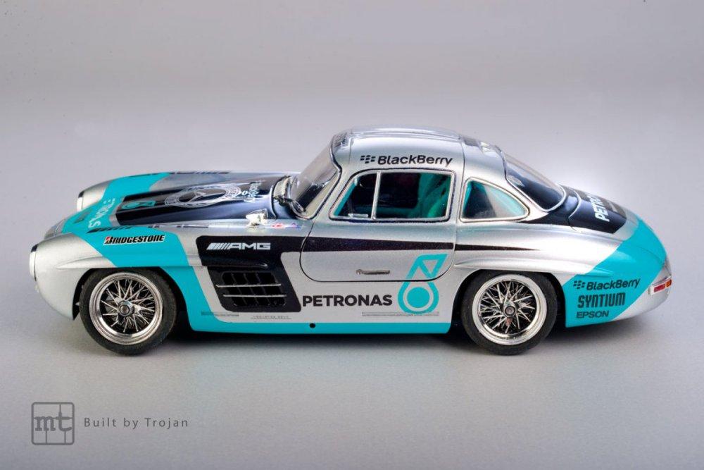Mercedes-300-SL-Tamiya-fot-12.jpg