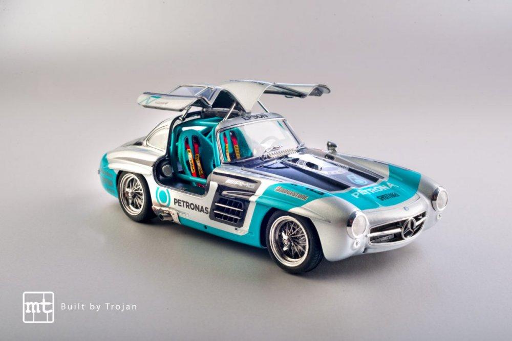 Mercedes-300-SL-Tamiya-fot-16.jpg