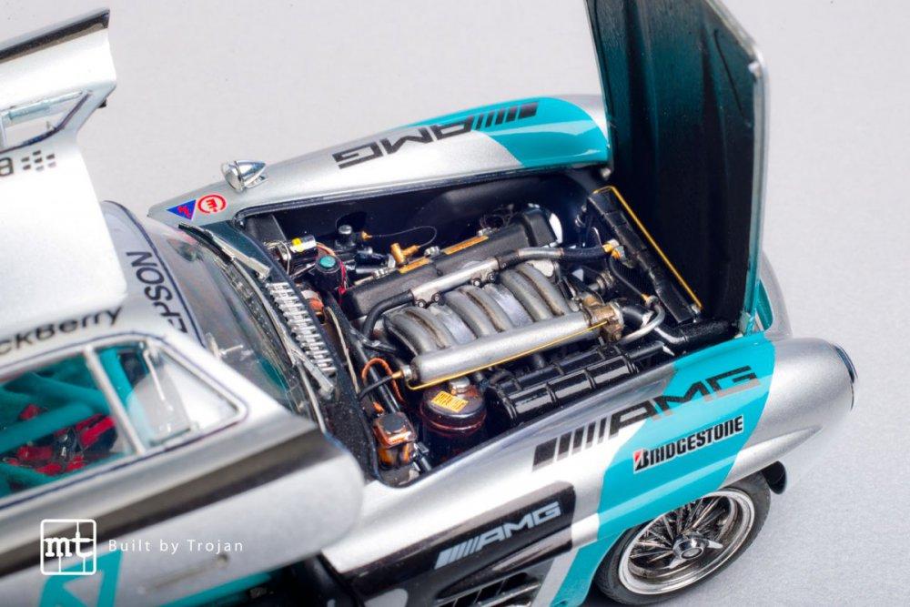 Mercedes-300-SL-Tamiya-fot-17.jpg