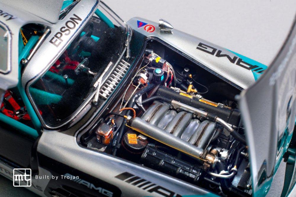 Mercedes-300-SL-Tamiya-fot-19.jpg