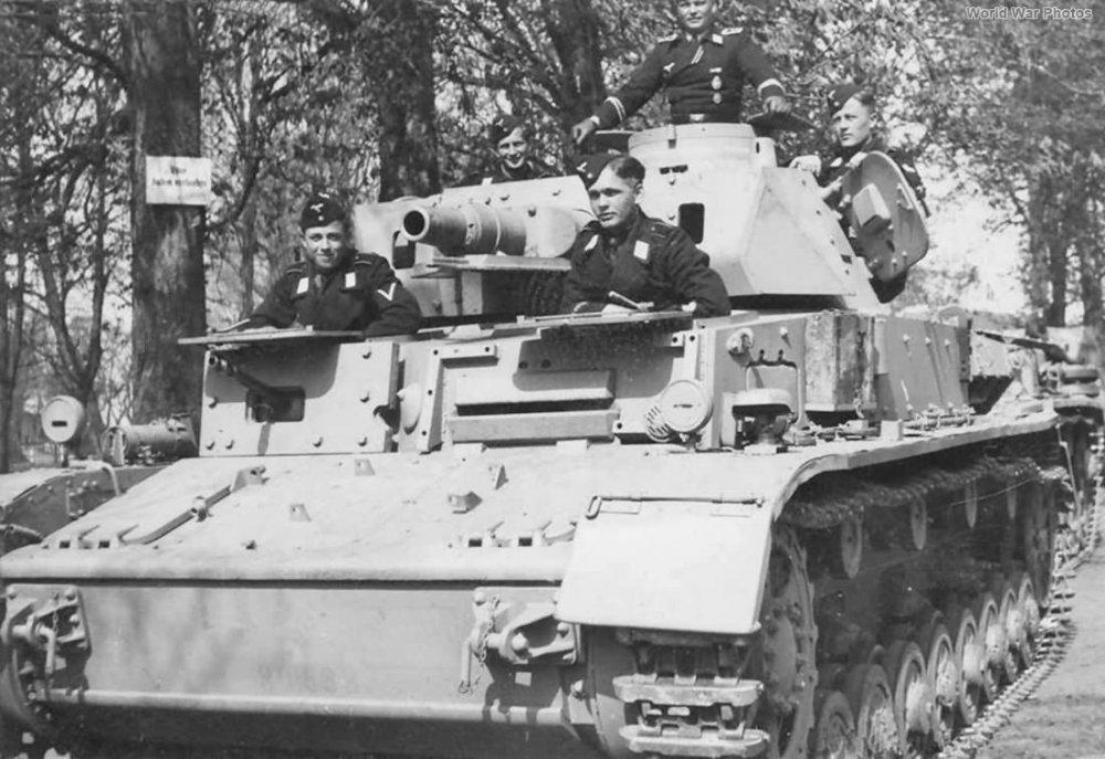1102321403_02-Panzer_IV_Ausf_D-Fgst.80638-Vorpanzer.thumb.jpg.9b7daa6f922cf68b075e19ef562fadc0.jpg