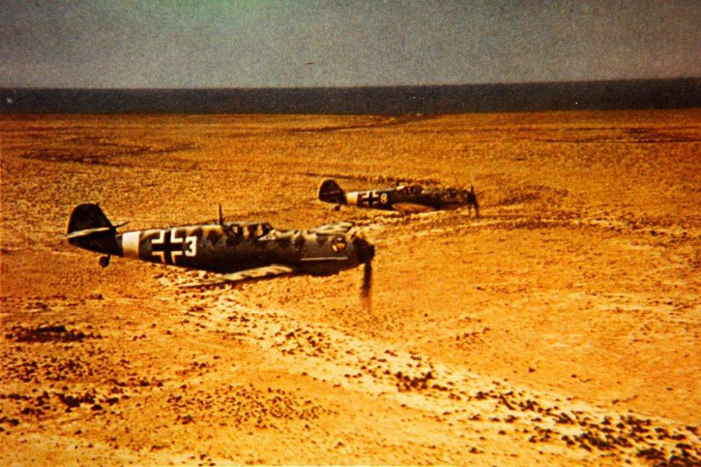 Bf_109Es_JG_27_on_flight_over_North_Africa_c1941.thumb.jpg.69fd6621aed755730fe1eafbea46f01f.jpg