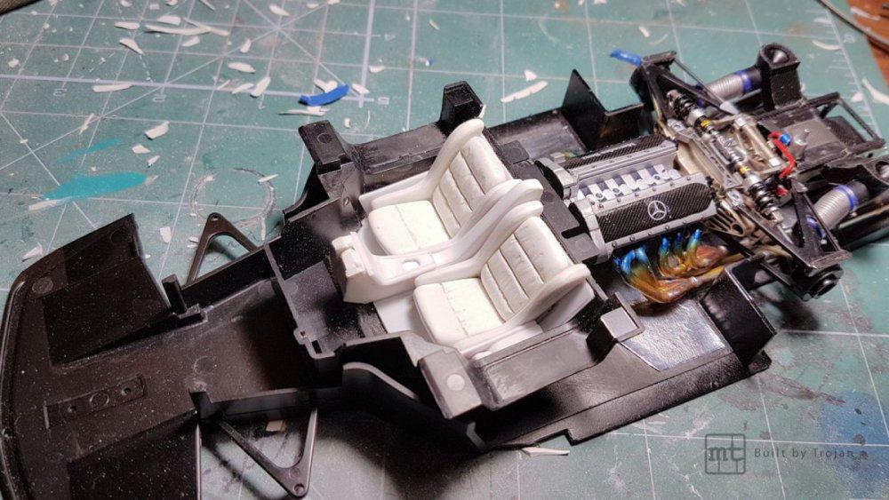 Mercedes-CLK-GTR-Tamiya-21.jpg