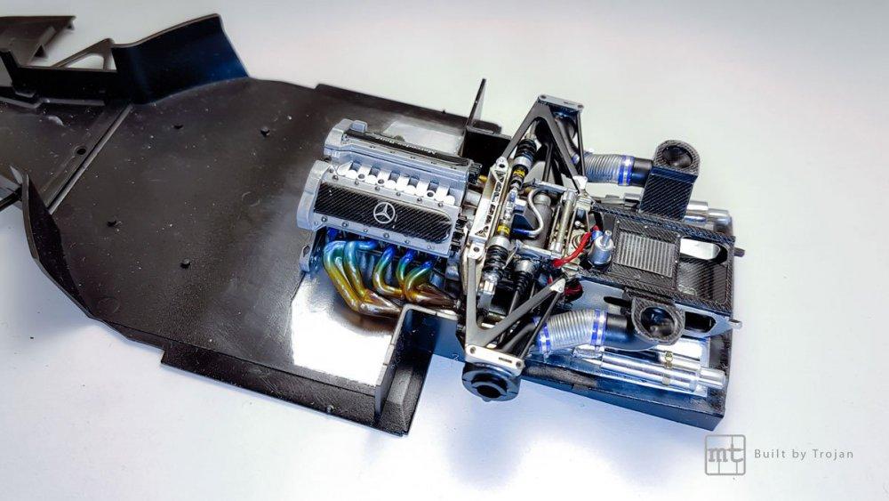 Mercedes-CLK-GTR-Tamiya-7.jpg