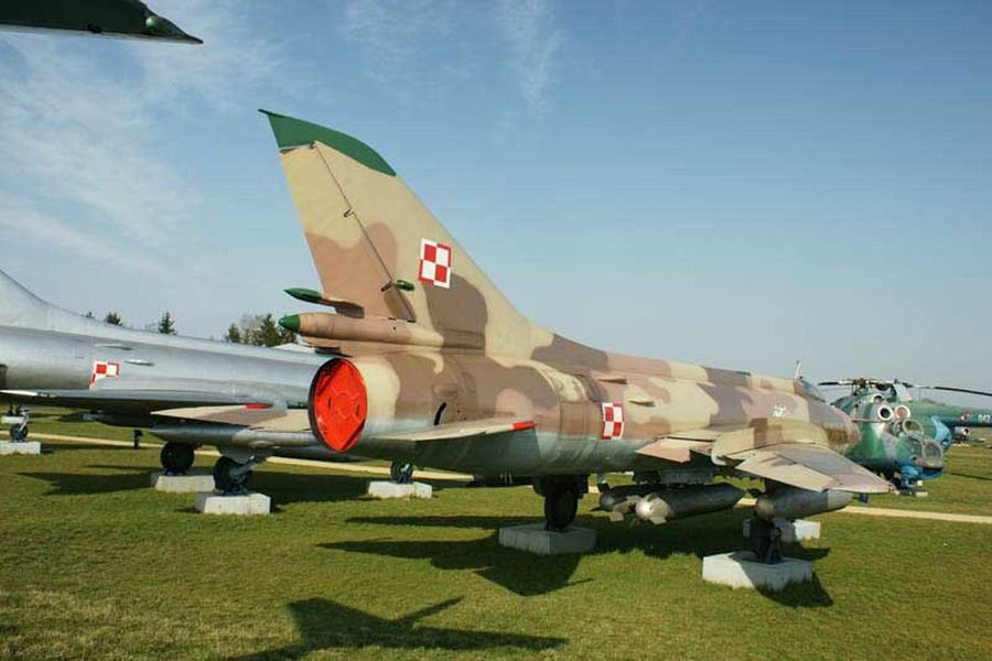 Su-20.jpg