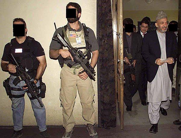 DEVGRU_soldiers_protecting_Hamid_Karzai.jpg