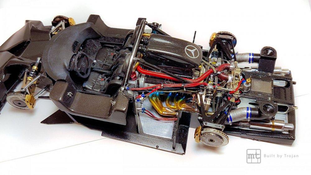 Mercedes-CLK-GTR-Tamiya-38.jpg