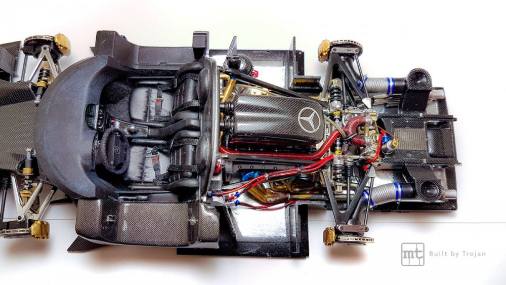 Mercedes-CLK-GTR-Tamiya-39.jpg