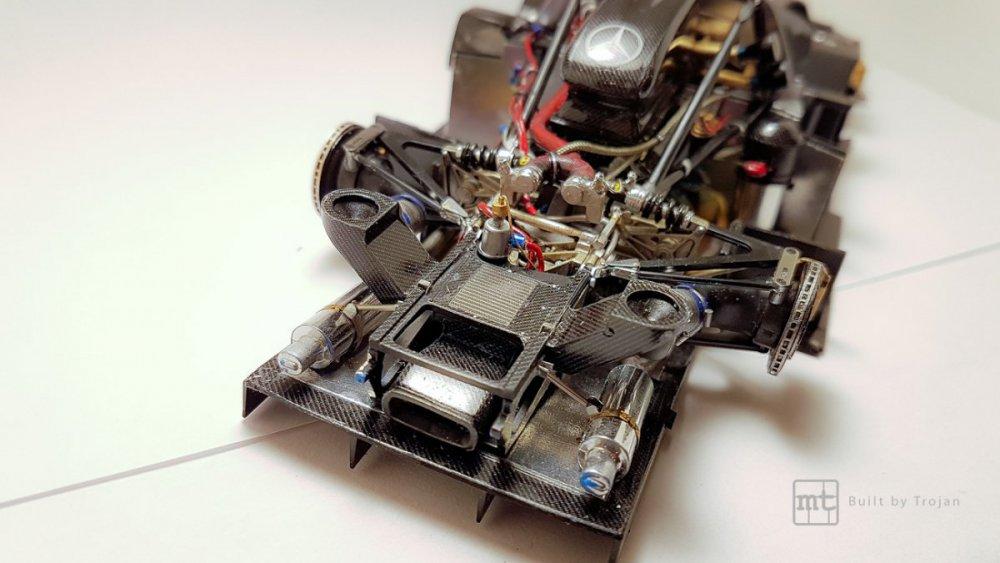 Mercedes-CLK-GTR-Tamiya-42.jpg