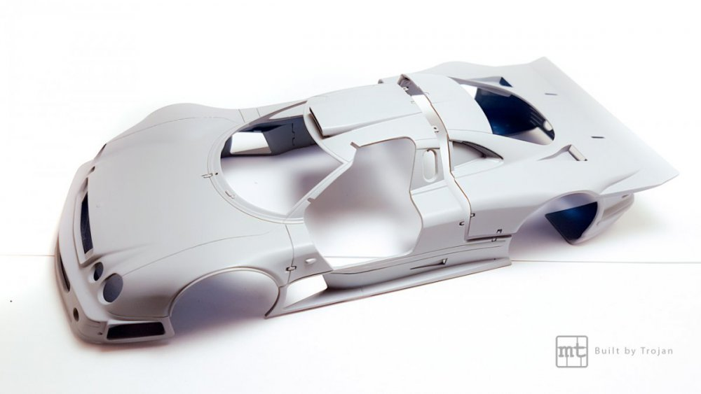 Mercedes-CLK-GTR-Tamiya-44.thumb.jpg.d6f4300ef4fc6c9591299d544a7dcb44.jpg