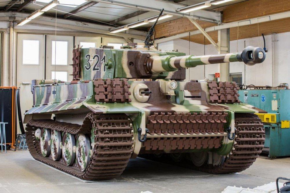 Nachbau-Wehrmachtspanzer-Tiger.thumb.jpg.1a8b36addf90b232936c85924ff6747d.jpg