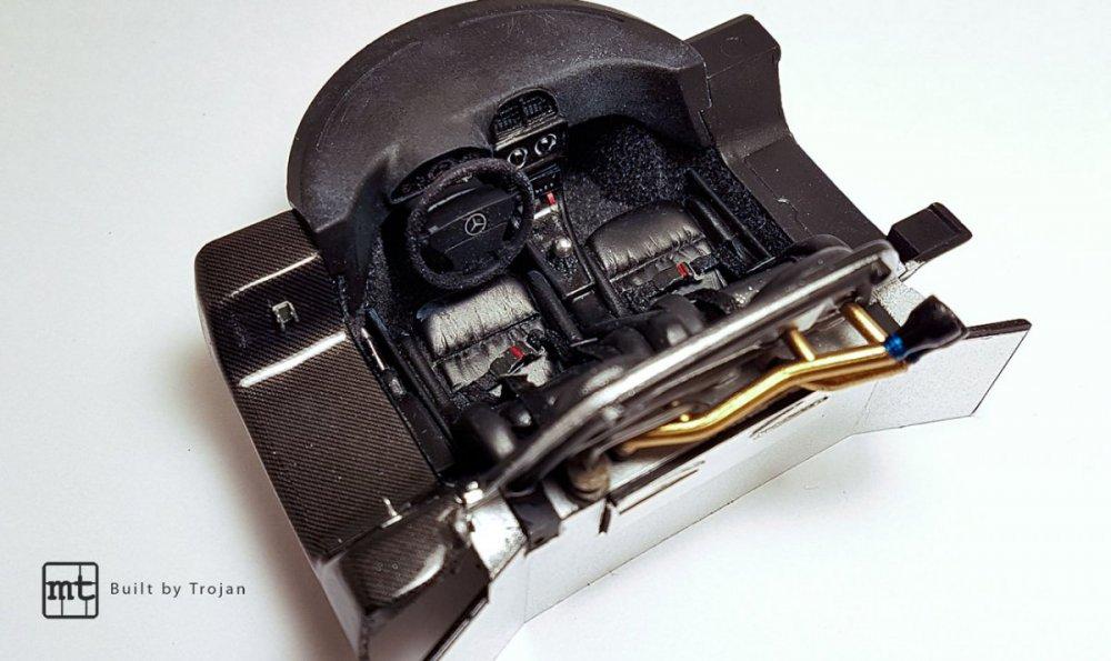 Mercedes-CLK-GTR-Tamiya-fot14.thumb.jpg.4e2e869863d8c9d98e525aa8ee3f178a.jpg