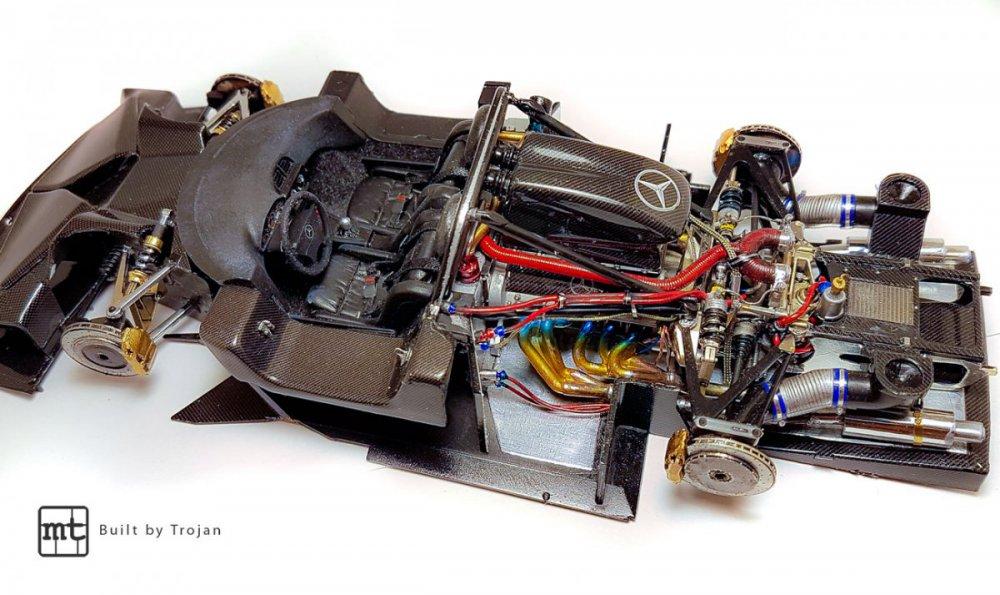 Mercedes-CLK-GTR-Tamiya-fot17.thumb.jpg.f27c541ccdf6f5654ab3fed3b6971d17.jpg