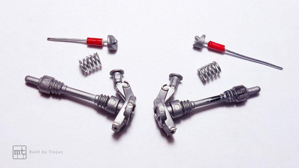 Ferrari-F40-Tamiya-fot16.thumb.jpg.26ed9142d847bc2d16bd26da486c2606.jpg