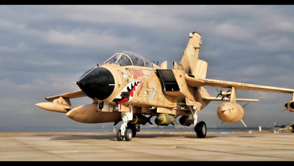 tornado-gr-mk-1-raf-mig-eater-revell-1-32-scale-model.jpg