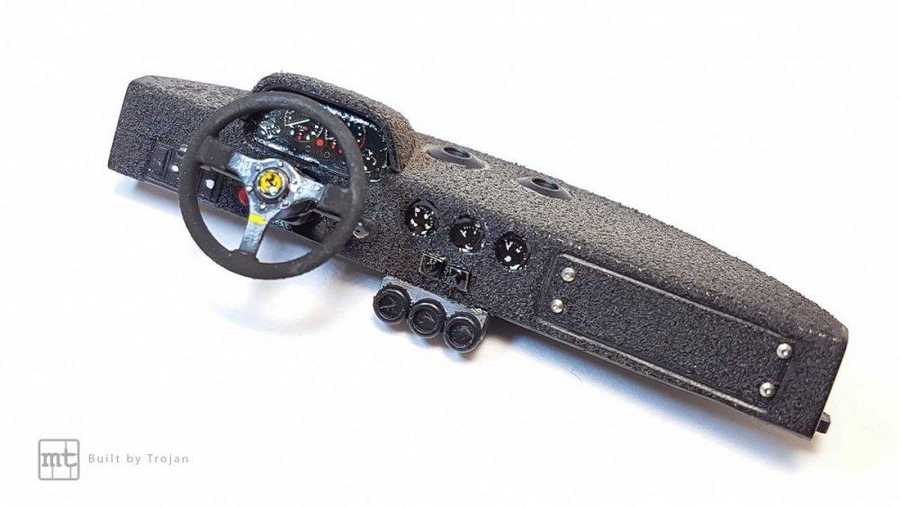 Ferrari-F40-Tamiya-fot33.thumb.jpg.57781dc40952ca8c4424357ee819f6bb.jpg