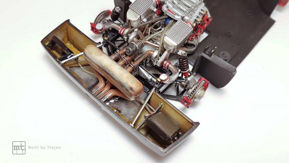 Ferrari-F40-Tamiya-fot36.thumb.jpg.63e31242d57ec5b037f93c4eedb8f6b0.jpg