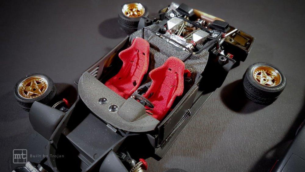 Ferrari-F40-Tamiya-fot53.thumb.jpg.0303d07e9abc7bd5a6b0f80b735046ce.jpg