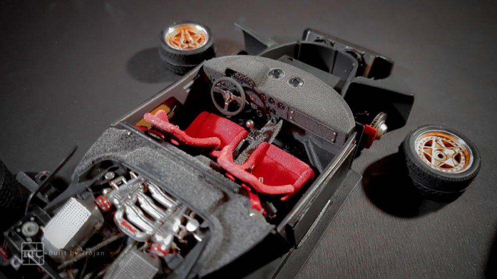 Ferrari-F40-Tamiya-fot55.thumb.jpg.bdf3f2059de237f22665deb0bd8ddfa3.jpg