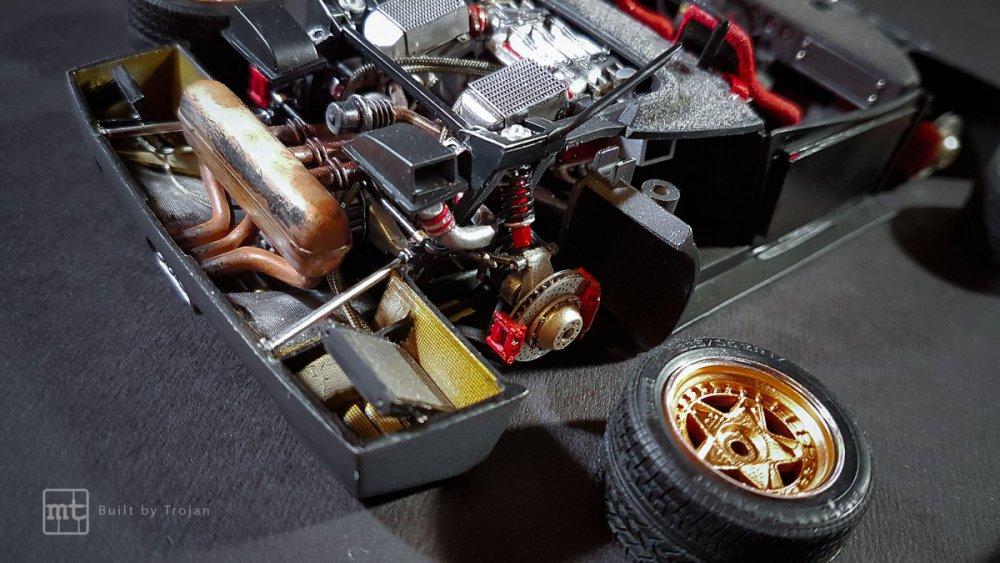 Ferrari-F40-Tamiya-fot56.thumb.jpg.932129ef6dd19bde46ad8fb6ed98cdd0.jpg