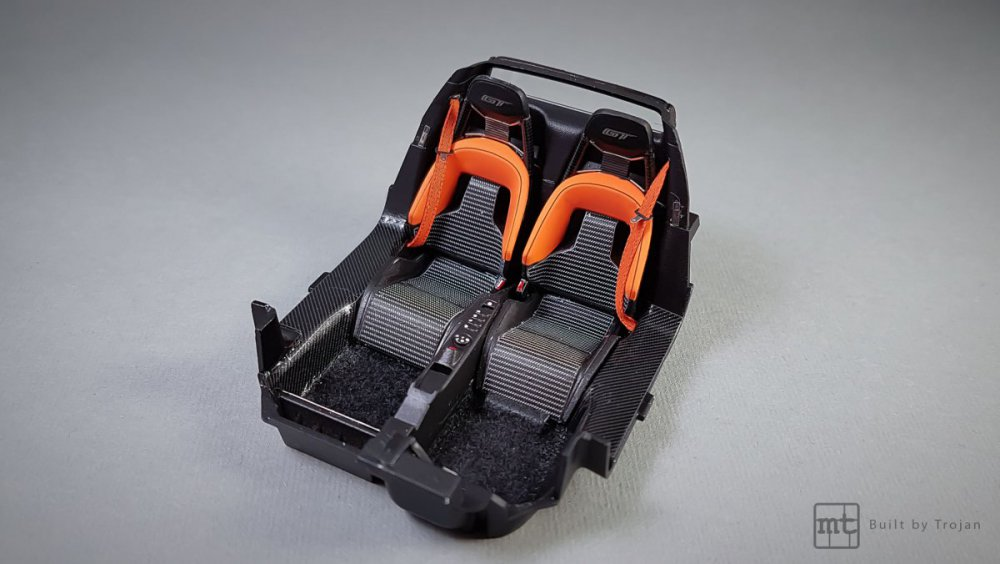 Ford-GT-Tamiya-fot-12.thumb.jpg.c5d53256d35ec804387ca864f5976d7c.jpg