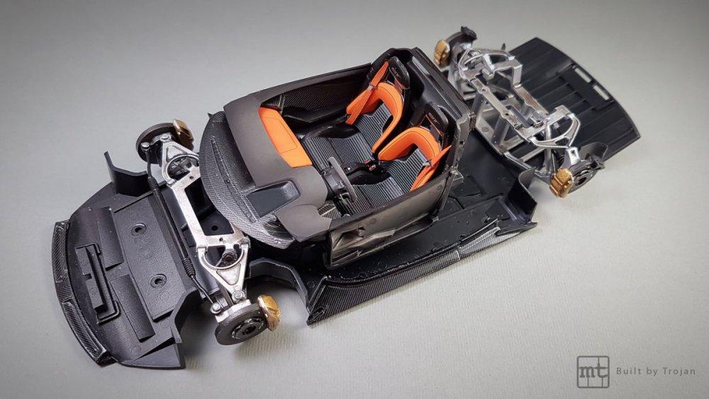 Ford-GT-Tamiya-fot-19.thumb.jpg.39f421587555089b794117466204fe20.jpg