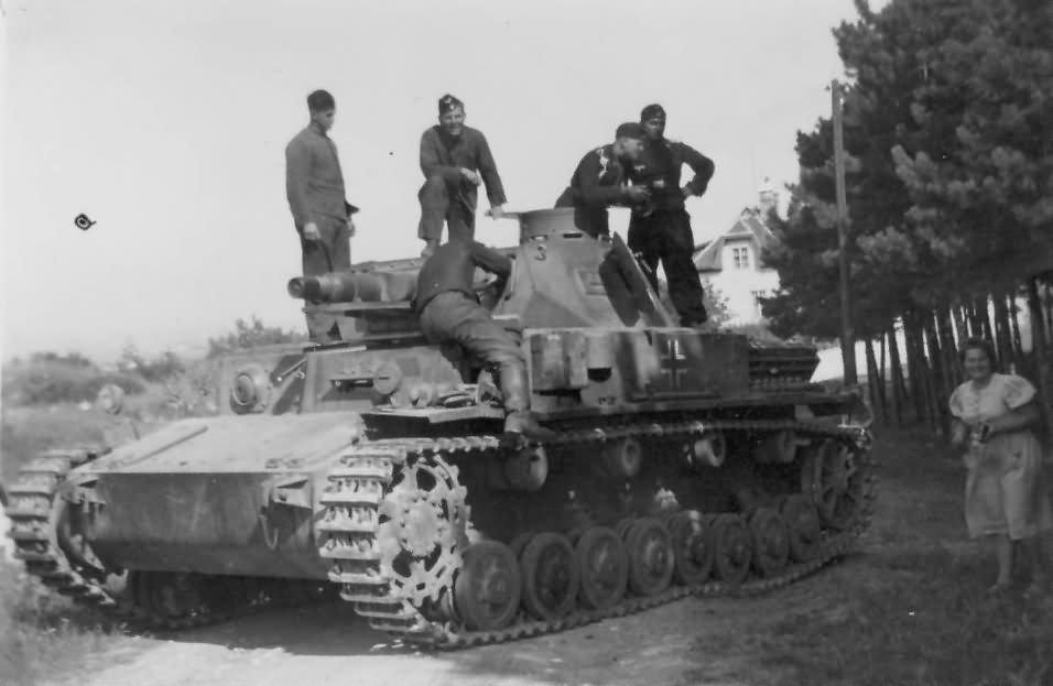 Panzer_IV_ausf_A.jpg.5441215bbb1a80a410a6fe26376d16ae.jpg