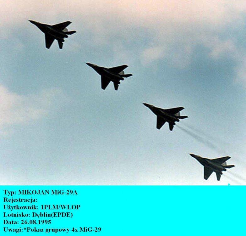 MIKOJAN MiG-29Ax4.Dęblin.1995.jpg