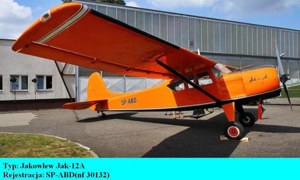 Jakowlew Jak-12A.SP-ABD.Bydgoszcz-Szwederowo.2011(01).JPG