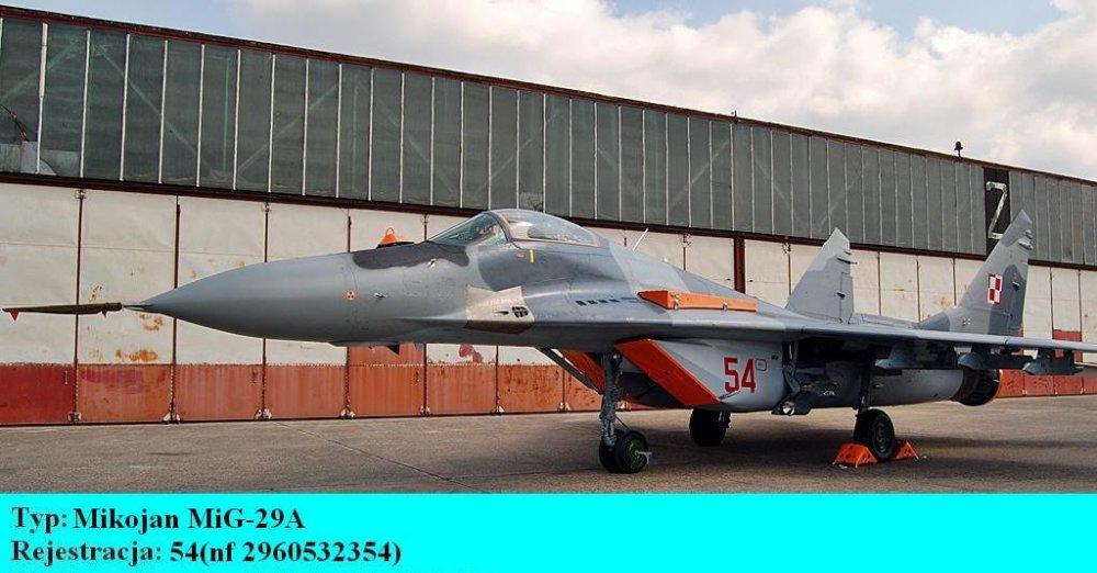 Mikojan MiG-29A.54.Bydgoszcz-Szwederowo.2011(01).jpg