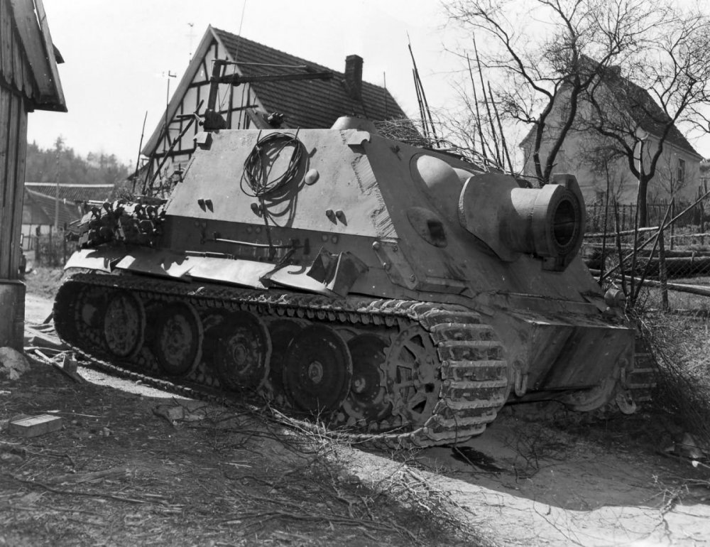 781640150_09a-WannaTigerI-EARLY-Sturmtigerze1001_April_1945.thumb.jpg.fde79760c6c4674bb69f8c722ff8d81a.jpg