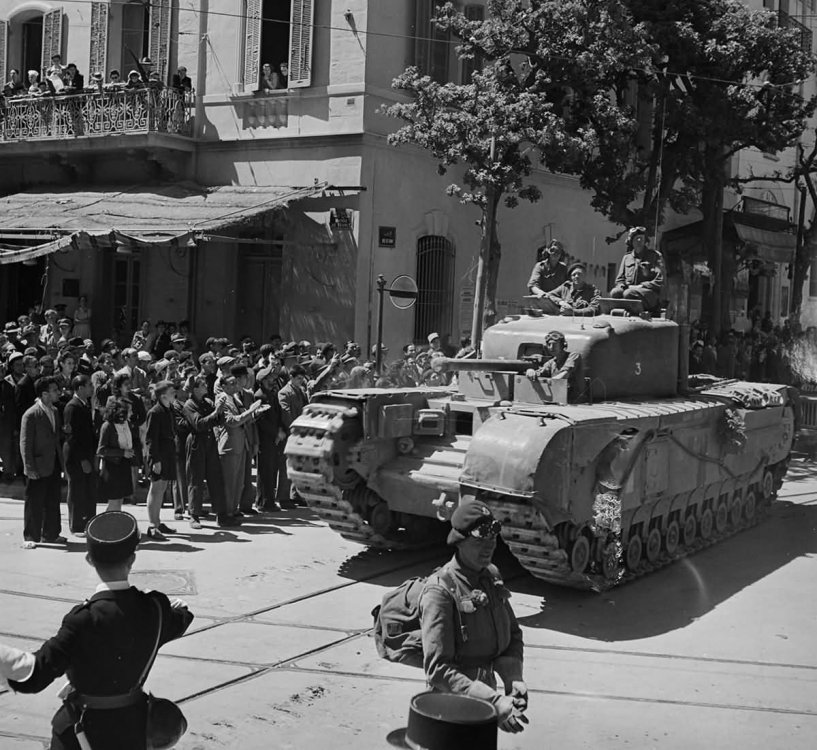Churchill_Tank_Tunisia_20_May_1943_.jpg