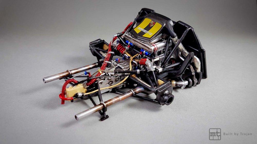Porsche-911-GT1-Tamiya-fot24.thumb.jpg.150ae344d91a23b534914076dec60573.jpg