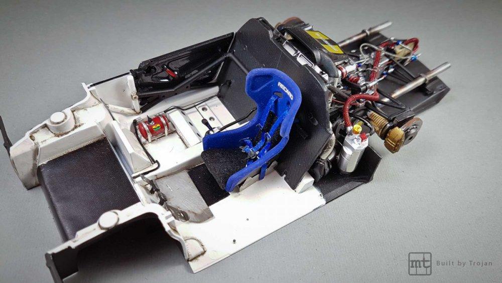 Porsche-911-GT1-Tamiya-fot33.thumb.jpg.a509899cd50d5142b7d47d4cc0a46d76.jpg
