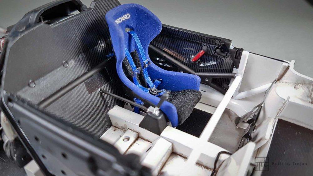 Porsche-911-GT1-Tamiya-fot42.thumb.jpg.e9fff7ed81ef16bf349c9b45a30c6179.jpg