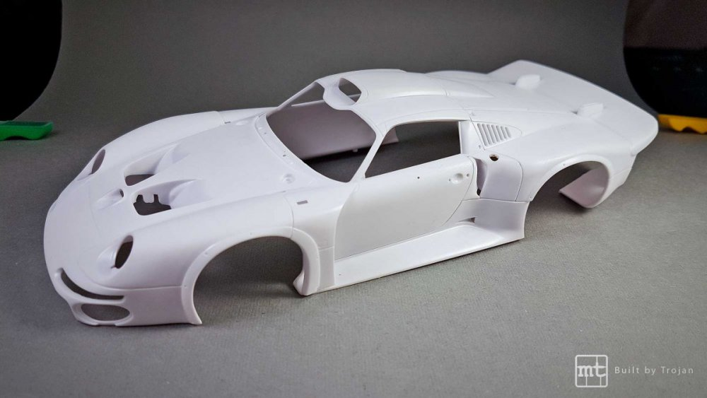 Porsche-911-GT1-Tamiya-fot50.thumb.jpg.132625e22114d0faf5987258b6924bbb.jpg