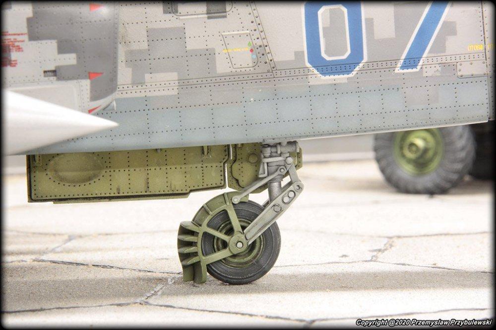 1862047967_Model_067-Su-25AwithGaz-66017.thumb.jpg.ddd119893aaf142d48617918b95c500b.jpg