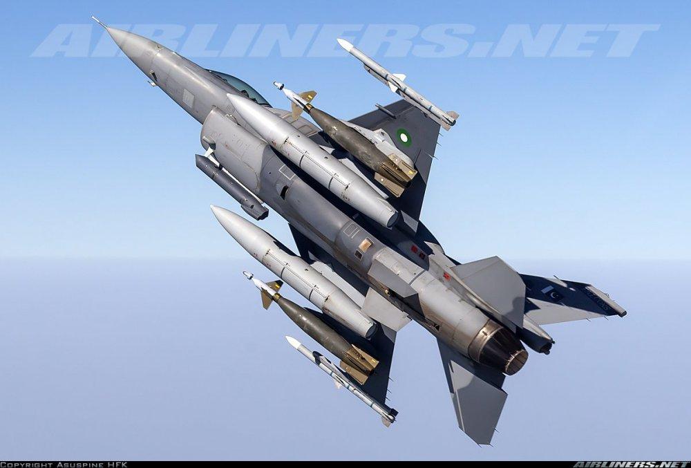 259148308_F-16FightingFalcon(146).thumb.jpg.627b2cf6bd4f352b4b9e8ecc43e3ab4a.jpg