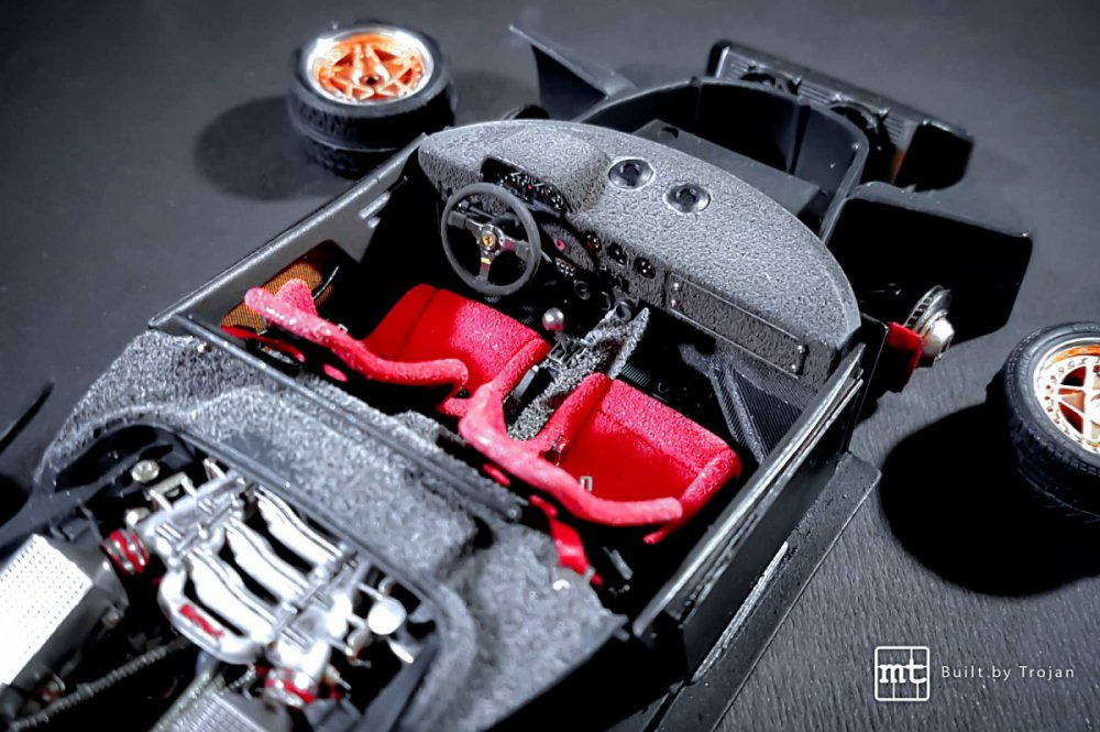 Ferrari-F40-Tamiya-fot18.thumb.jpg.a121a70572d21a2755f3f61b0ac4237a.jpg